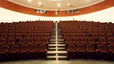 Dedicare a Guerrini il palazzo dei Congressi